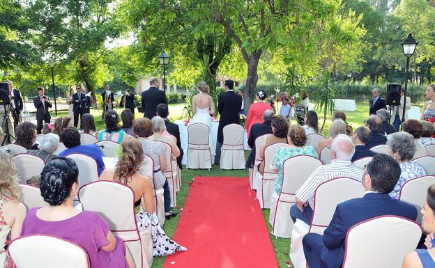 Las bodas civiles superan a las religiosas 1